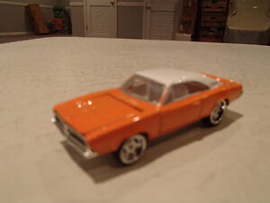 Loose Hot Wheels LE WHIPS Team Baurtwell '69 Dodge Charger orang Sarnia Sarnia Area image 9