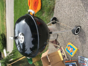 Good condition charcoal barbeque