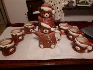 Christmas Teddy Bear Coffee Pot, coffee cups and cookie jar set