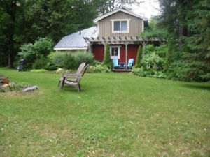 2 Bedroom private  Cottage  with boat access to Georgian Bay