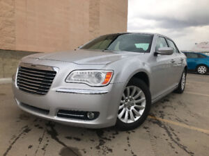 2012 CHRYSLER 300 HAS 153683 KMS POWER SEATS TOUCH SCREEN