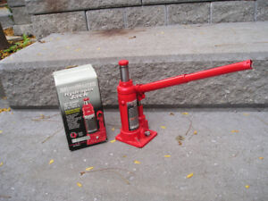 Hydraulic jack and 2 axle stands