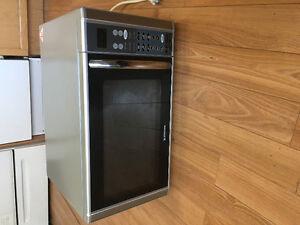 Emerson MWG9111SL 1000-watt Microwave/Grill