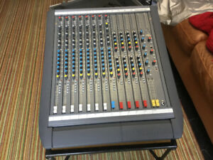 mixer Soundcraft Delta DLX