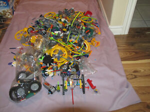 FOR SALE OVER 16 LB OF MIXED PIECES OF K'NEX BUILDING TOYS