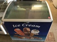 Chest freezer with glass lid,