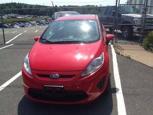 2013 Automatic Ford Fiesta in Excellent Condition