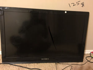 """Dynex 32 """" tv with wall mount stand"""