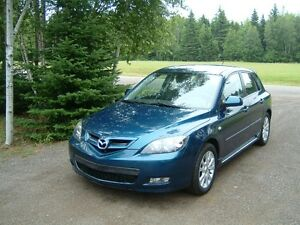 2007 Mazda Mazda3 gs Hatchback, never smoked in, no accidents,