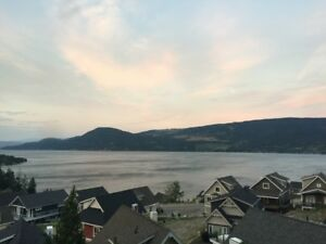 Luxury Okanagan Lake Cottage! - Fully Furnished