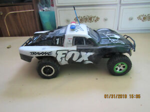 traxxas 1/16 2wd slash