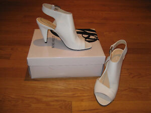 Sandales blanches Nine west