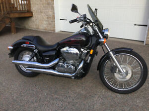 Almost New-Low Kilometers-Excellent condition - 2009 Honda VT750