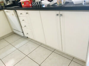 kitchen cabinets and granite countertop for sell (used )