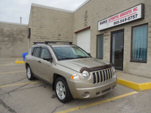 2009 Jeep Compass - (44,000kms)
