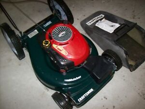 Quality Craftsman Self Propelled Lawn Mower/Mulcher with Bag