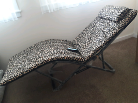 ELECTRIC MASSAGE CHAIR/BED