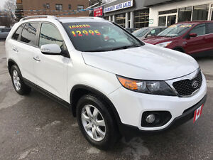 2012 Kia Sorento EX AWD SUV...LOW KILOMETERS...PERFECT COND.