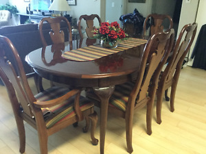 Buy Or Sell Dining Table Sets In Winnipeg Furniture Kijiji Classifieds