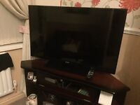 40 inch Bush TV Full HD LED in excellent condition & fully working comes with remote control