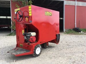 FARM!!! BODCO 53 Power Feed Cart Stratford Kitchener Area image 2