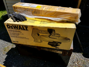 Brand New in box Dewalt Scroll Saw and Stand