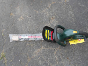 18 INCH HEDGE TRIMMER