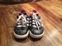 Adidas - size US 6K - excellent condition