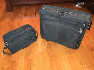 Valise pour complets/robes et petit sac de voyage