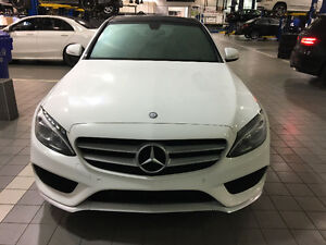 *FULLY LOADED* 2015 Mercedes-Benz C300 4MATIC