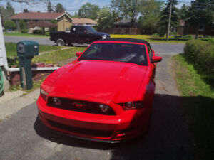 Ford mustang 2014 gt  52000kg