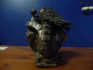 Predator Defeated Limited  Bust West Island Greater Montréal image 3