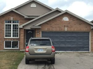 ATTN Fanshawe Students 6 Bedroom Thurman Houses!! $485