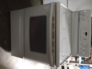 Electric Stove - white - great condition