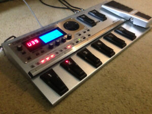 BOSS GT-10 Multi-Effects/Modeling pedal +2 hrs of instruction!