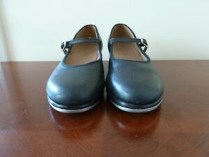 Tap shoes (girls size)