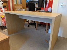 Large desk!