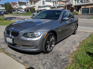 MINT 2009 BMW 335i for sale