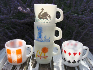 LOT OF MILKGLASS MUGS! HOLLY HOBBY  FEDERAL, TERMACRISSA! London Ontario image 3