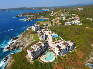 Ocean Front Condo with Upper Terrace for Christmas Huatulco