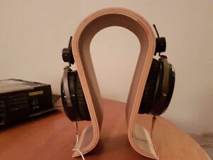 Hifiman HE-400 open back headphones with upgraded cable