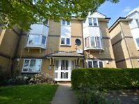 2 bedroom flat in Rossetti Road, Surrey Quays SE16