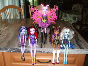 ( 5 ) Monster High  450-994-2242