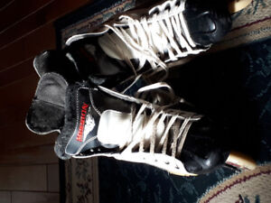 For Sale - Size 9 Roller blades