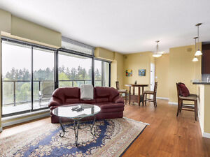 Gorgeous & Spacious 2 BR + Den in Desirable Victoria Hill Loc