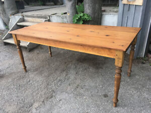 REPRO QUEBEC PINE FARMHOUSE TABLE