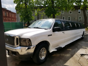 2005 excursion  limo   12 passenger