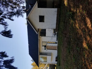 4 BEDROOM HOUSE ON ACRES (HWY 1