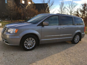 2015 Chrysler Town & Country Van. Excellent condition. $21, 950