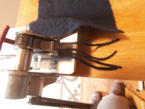 Rug Hooking Cutter Rigby Double #6 & #4 Blades